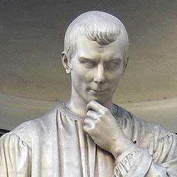 Machiavelli. Particolare della statua di Bartolini conservata nel Loggiato degli Uffizi
