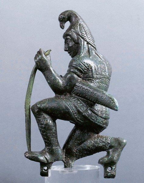 bronzetto-di-fabbricazione-etrusco-padana-raffigurante-paride-arciere-v-sec-a-c-museo-nazionale-di-altino