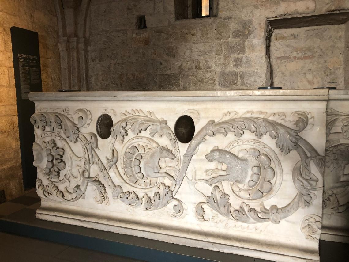 Brescia marmo romano presunta tomba di Ansa moglie di Desiderio
